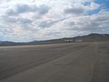 ウランバートル国際空港(左)